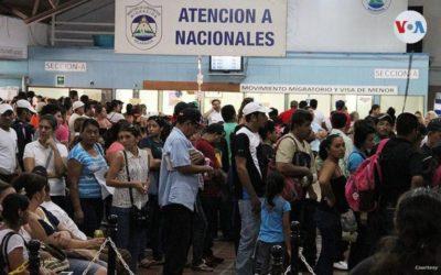 Nicaragua cobra en dólares trámites migratorios cuando cientos de nicaragüenses buscan regresar al país