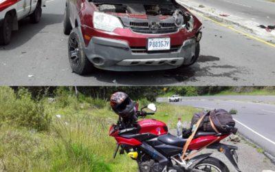 Vehículo y motocicleta chocan de frente en la ruta Interamericana