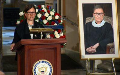 Ginsburg es la primera mujer en estar en la Capilla del Capitolio de EE.UU.