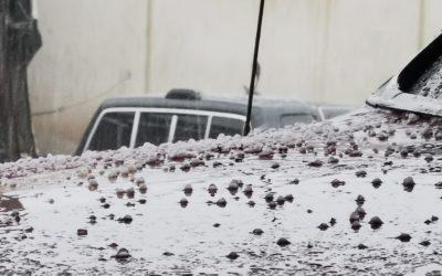 Lluvia de este viernes provoca inundaciones de calles y otras complicaciones en Xela