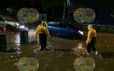 Lluvia deja sin luz  y calles destrozadas en Xela