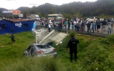 Hermanos mueren en aparatoso accidente