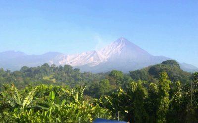 Organizarán coordinadoras locales de emergencia en comunidades cercanas al Volcán Santiaguito