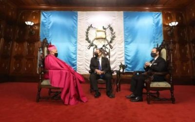 Presentan a Nuncio Apostólico para Guatemala