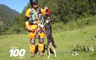Adoptó a perrito que encontró durante rescate de personas afectadas por ETA en Huehuetenango, Guatemala