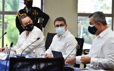 Presidentes de Guatemala y Honduras se reúnen de nuevo, en el marco de la emergencia por el Huracán Iota