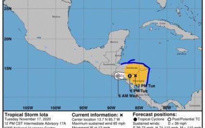 Iota se debilita a tormenta tropical este martes. Esta noche podrían incrementarse las lluvias en Guatemala
