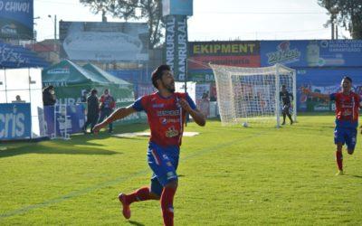 Los superchivos del Xelajú MC le ganan (3-1) a Comunicaciones en el estadio Mario Camposeco