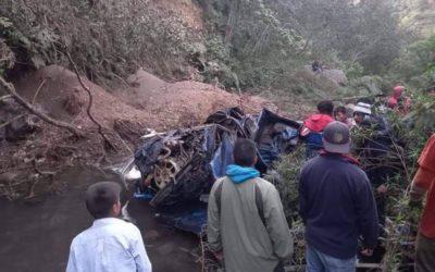 Mueren 10 personas en accidente de tránsito en Tajumulco
