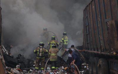 Bomberos controlaron incendio en 120 minutos