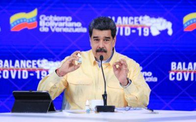Maduro presenta «gotitas milagrosas para neutralizar el COVID-19»