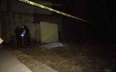 Encuentran cadáver de mujer atrás de una vivienda abandonada en San Mateo