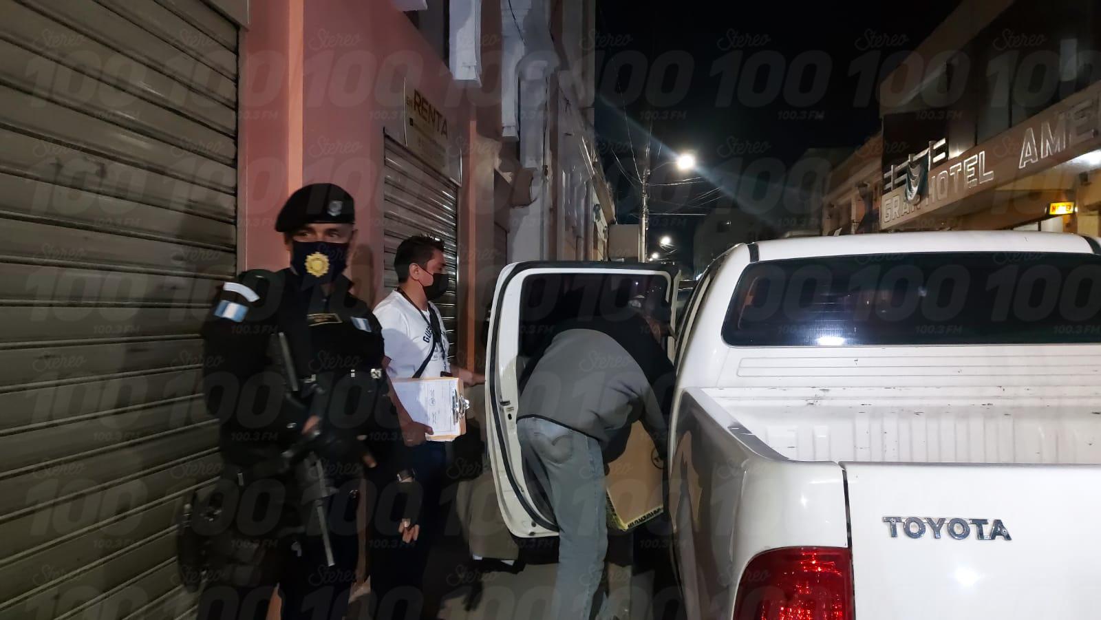 Autoridades realizaron allanamiento donde funcionaba radio pirata en la zona 1 de Xela
