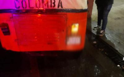 Disparan proyectiles de arma de fuego contra joven piloto de tuc tuc en Colomba Costa Cuca