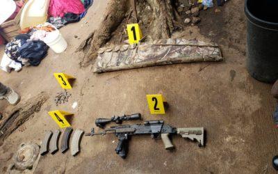 Encuentran armas de grueso calibre en diligencia contra integrantes de la mara Salvatrucha