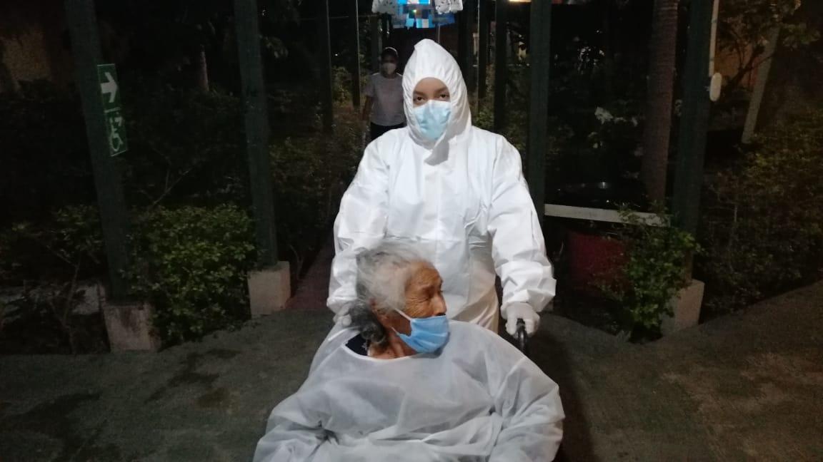 Quetzaltenango: Francisca García recibe ayuda