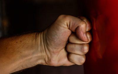 Ambición de poder de los políticos genera violencia